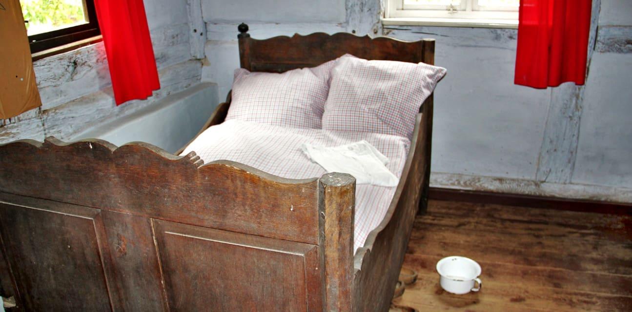 jak sypiali nasi przodkowie